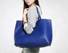 Chic Carryalls: 30 Totally Pinnable Purses, Totes, and Weekender Bags