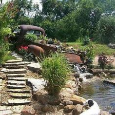 I would love to have an old truck bed as a fountain or full of flowers Small Backyard Pools, Ponds Backyard, Backyard Landscaping, Garden Ponds, Landscaping Ideas, Garden Water, Water Gardens, Large Backyard, Garden Fountains