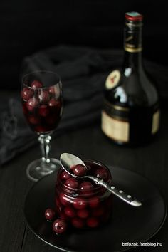 sour cherry in cognac Cherry Brandy, Sour Cherry, Organic Recipes, Red Wine, Food Photography, Alcoholic Drinks, Spices, Natural, Kitchen