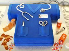 4 Ways to Throw the Ultimate Nursing Graduation Party