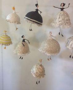 Pappmache – kittiekat werkstatt – Disney's Choice Pappmache – kittiekat werkstatt Pappmache – kittiekat werkstatt Paper Mache Projects, Paper Mache Crafts, Wire Crafts, Diy And Crafts, Arts And Crafts, Art Projects, Paper Mache Bowls, Paper Mache Sculpture, Paper Plates