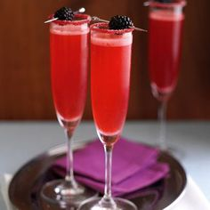 champagne velvet with blackberry #cocktailrecipes