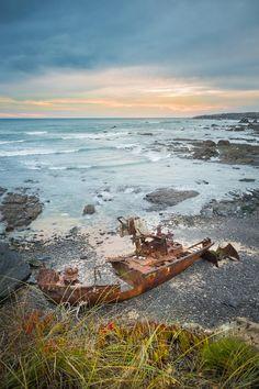 """O Klemens partiu do porto holandês de Leewarden, em Dezembro de 1996, com destino a Portimão. Na noite de 12 de Dezembro, sem nada que o justificasse, o navio encalhou junto à """"Pedra do Patacho"""", em Vila Nova de Milfontes."""