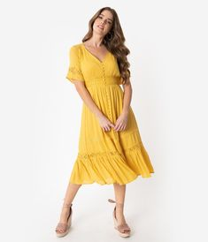 c4ba5e568d6 Vintage Style Mustard Yellow Woven Lace Short Sleeve Midi Dress