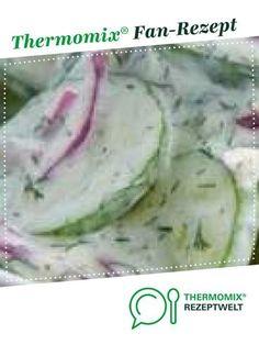 Gurkensalat mit feinem Sahne-Dressing von Fett-For-Fun-Thermi. Ein Thermomix ® … Cucumber salad with a fine cream dressing from Fett-For-Fun-Thermi. A Thermomix ® recipe from the starters / salads category www.de, the Thermomix ® community. Cucumber Salad Vinegar, Cucumber Tomato Salad, Creamy Cucumbers, Cucumber Dressing, Fruit Salad, Salad Recipes Healthy Lunch, Salad Recipes For Dinner, Chicken Salad Recipes, Frango Bacon