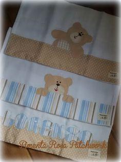 kit com 3 fraldas bordadas, 100% algodão, com barrado em tricoline. R$ 27,00