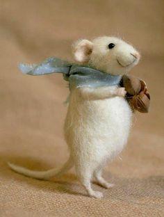 Cute, Soft, Cuddly And Funny Felt Animals' Art - Bored Art needle felt Niedliche, weiche, kuschelige Wet Felting, Needle Felting, The Animals, How To Felt Animals, Funny Animals, Felt Mouse, Cute Mouse, Needle Felted Animals, Felt Art