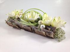 """Zoek afbeeldingsresultaten voor """"stephane brassart florist"""" - My Bilder Ikebana Flower Arrangement, Modern Flower Arrangements, Deco Floral, Floral Design, Art Floral Noel, Beautiful Gardens, Beautiful Flowers, Flower Decorations, Christmas Decorations"""
