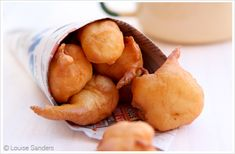 South-Africa - Vetkoek: Vetkoek is a kind of pastry or fried bread, and can be served with both sweet and savoury fillings – such as golden syrup or curried mince. To make it the traditional South African way, follow this easy recipe and rest assured that your vetkoeks will always be perfect!