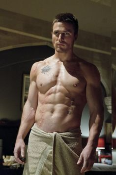 TV's new superhero hunk, Stephen Amell, shows off his impressive physique on the series premiere of The CW's 'Green Arrow'. Are you addicted to Stephen Amell? Thank You Lord, Dear Lord, Green Arrow, Stephen Amell Arrow, Arrow Oliver, Stephen Amell Body, Arrow Cw, Stephen Amell Workout, Team Arrow