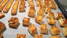Sărățele cu smântână, brânză, unt sau untură - saleuri foietate pătrate, fragede și rapide | Savori Urbane Unt, Muffin, Breakfast, Food, Morning Coffee, Muffins, Meal, Essen, Hoods