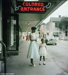 Gordon PARKS :: Department Store Birmingham, Alabama, 1956