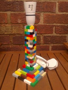 LEGO Brick Bedside Table Lamp Stand - Lynne Seawell's World - Trend Photography Lego 2019 Bedside Table Lamps, Desk Lamp, Diy Lamps, Lego Bedroom, Minecraft Bedroom, Bedroom Kids, Playroom Table, Lego Themed Party, Molde