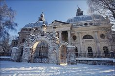 Abandoned Church in Russia: It seems strange in some ways to see an 18th century church ins such ruins, surreal.