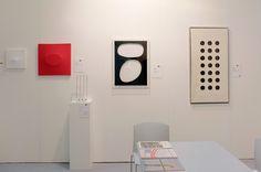 Padiglione 26, Stand B24, Studio Guastalla Arte Moderna e Contemporanea. Opere di Dadamaino, Turi Simeti e Fausto Melotti