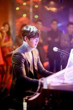"""Uncontrollably Fond ~ Loved when he played and sang Suzy's song, """"Winter Child"""" from Dream High! Korean Male Actors, Korean Celebrities, Korean Actresses, Asian Actors, Kim Woo Bin, Uncontrollably Fond Kdrama, Korean Soap Opera, My Shy Boss, Korean Drama Romance"""