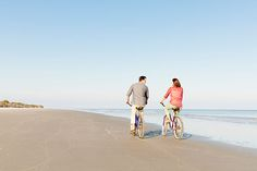 Whether you're just embarking on a relationship, planning to pop the question, or celebrating a golden anniversary, the Golden Isles paints the perfect backdrop for romance. Couples have been flocking to our stretch of the Georgia coast for centuries, only to discover the captivating scenery and blissful ambiance.Here's our list of six perfect date ideas to help you win some major brownie points.