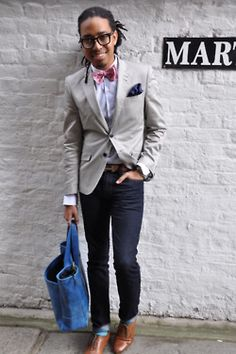 I have that bag, ummm...gives me a great outfit idea to accompany the bag