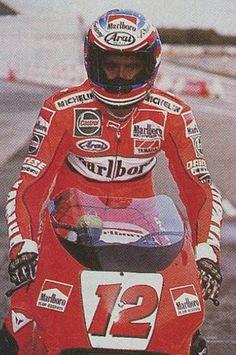 1986 JMB va au dessus des limites de la moto et chute lors des essais hivernaux à Shah Alam