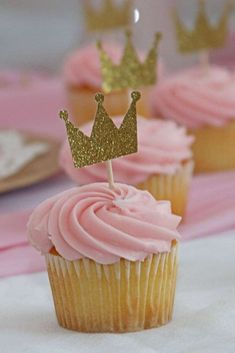 Take a look at the gorgeous cupcakes at this pretty pink princess birthday p. Catch My Party catchmyparty Princess Party Ideas Take a look at the gorgeous cupcakes at this pretty pink princess birthday party! See more party ideas and share Pretty Pink Princess, Pink Princess Party, Princess Theme Birthday, 1st Birthday Girls, 1st Birthday Parties, Princess Birthday Party Decorations, Pink Cupcakes, Princess Birthday Cupcakes, King Birthday