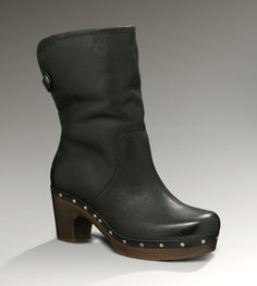 Obsessed with my new boots.  Thank god someone realized that women with size 12 feet need shoes too.