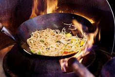 #cuisson au #wok, l'une des 10 #astuces pour manger moins gras