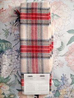 Lochcarron of Scotland 100% Cashmere Stewart Eve Tartan Scarf BNWT RRP £109  5055129193428   685131292dc