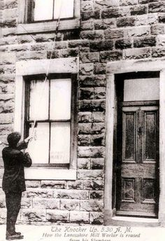 10 Jobs That No Longer Exist Today  Human Alarm Clock  Knocker-uppers were essentially alarm clocks – they were hired to ensure that people would wake up on time for their own jobs. They would use sticks, clubs or pebbles to knock on clients' windows and doors.