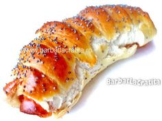 Covridog (Cremwursti in aluat) Hot Dog Buns, Hot Dogs, Food And Drink, Appetizers, Yummy Food, Bread, Breakfast, Ethnic Recipes, Brot