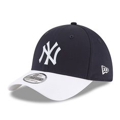 Rep your New York Yankees so well that no one will ever question your fandom. It's easy when you grab this New Era 2018 On-Field Prolight Batting Practice Flex Hat. Everyone will know where you stand on game days when you rock this awesome cap. Yankees Gear, Cool Hats, New York Yankees, Percy Jackson, Mlb, Baseball Hats, Navy, Big Sis, Gifts