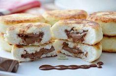 Твитнуть Поделиться Плюсануть Поделиться Отправить Класснуть Вотсапнуть Запинить Творожные сырники с молочным шоколадом… Ингредиенты: 300 гр сухого творога, 1 яйцо,