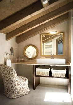 #SuiteOfTheWeek | Mansard #bathrooms Rustic essence in spaces for relaxation. And remember, there are always #showers and #screens that go beyond our imagination