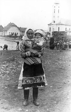 Babywearing in history: One of the many interesting photos from the era of the first Slovak Republic during the Second World War.