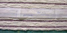 Streifenshirt nähen Halsstreifen zuschneiden Shag Rug, Rugs, Home Decor, Striped Fabrics, Sewing Patterns, Shaggy Rug, Farmhouse Rugs, Decoration Home, Room Decor