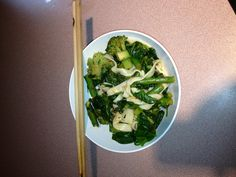 Tofu noodles with asparagus, broccoli and spinach.