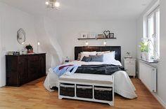 Apartment, Small Minimalist Bedroom Laminate Floor Awesome Studio Apartment Ideas For Men ~ Fantastic Studio Apartment Ideas for Men