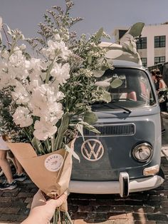the art of slow living - OOOOOf . the art of slow living love these so much Source You are in the ri Flower Aesthetic, Summer Aesthetic, Aesthetic Vintage, Aesthetic Photo, Aesthetic Pictures, Collage Des Photos, Photo Wall Collage, Picture Wall, Aesthetic Backgrounds