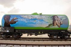 This is a great collection of graffiti painted on trains. Most of these pictures are in resolution bigger than so you can use it as your desktop Beautiful Graffiti, Train Art, Large Format Printing, Graffiti Painting, Lost Art, Heart For Kids, What A Wonderful World, Large Art, Wonders Of The World