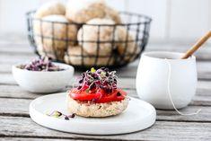 ELTEFRIE FIREKORNSRUNDSTYKKER Granola, A Food, Panna Cotta, Health Fitness, Baking, Breakfast, Ethnic Recipes, Norway, Drink
