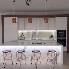 #design @danielaroscio #repost #kitchen #barstools @tuckboxdesign #copper #kitchendesign #interior #white #marble #homedesign #interiordesign #customhomes