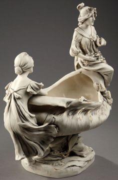 Art Nouveau - Coupe 'Jeunes Femmes' - Porcelaine et Biscuit - Royal Dux - Vers 1920