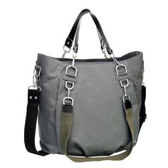 The Green Label Mix 'n Match diaper bag made from recycled polyester offers plenty of versatility. It is a lasting companion for any mother who likes to be individual. This master of adaptability comes with three shoulder straps in...