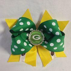 #bjsbowbows #bow #hairbow #greenbaypackers #gopackgo #greenandyellow #football #nfl #polkadots #packersbow #handmade #bottlecap