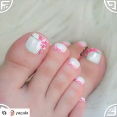 Nageldesign Easy and cute toe nail art idea that anyone can try at home By: yagala The cost of a kit Toe Nail Color, Toe Nail Art, Easy Nail Art, Nail Colors, Toe Nail Designs, Simple Nail Designs, Nails Design, Toenail Polish Designs, Funky Nails