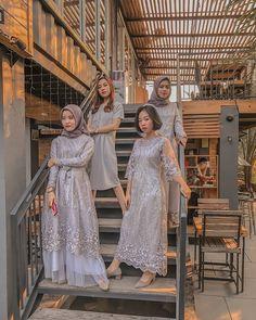 Kebaya Modern Dress, Kebaya Dress, Dress Pesta, Muslim Fashion, Hijab Fashion, Girl Fashion, Fashion Dresses, Fashion 2020, Dress Brokat Muslim