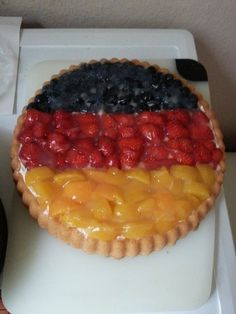 My German wife made a beautiful pie today inspired by the world cup. I almost didn't want to eat it.