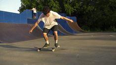Mit diesem wundervollen GIF lege ich Euch noch mal einen der ersten Skatefilme ans Herz ( kann hier komplett angeguckt werden ) und wünsc...