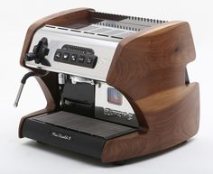 Espresso machine made in Italy with double boilers for optimal extraction and steaming performance. Italian Espresso Machine, Home Espresso Machine, Cappuccino Maker, Espresso Maker, Barista Coffee Machine, Coffee Maker, Coffee Machines, Best Espresso, Espresso Coffee