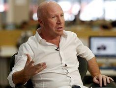Mac Allister entregó subsidios a clubes de Mayer y Arata
