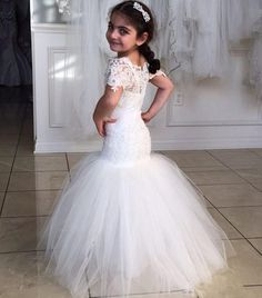 2016 Princess Flower Girl Dresses Short Sleeves Mermaid Lace Christening Baby Dress Wholesale Cheap Cummunion Gowns